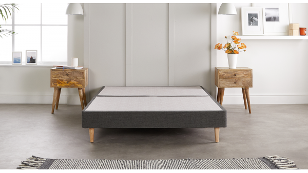 Do you love minimalist design and don't want to compromise on quality? Discover our Vincent bed frame, combining contemporary style and a premium upholstery fabrics that mimics the look and feel of natural wool.