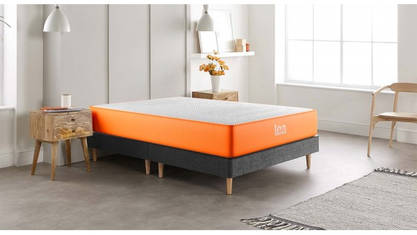 Use our bespoke 'Build Your Bed' makerto create a custom made bed, exactly how you want it. Choose between our two bed frames, our two mattress (or none), and from four fabric colours and five sizes.