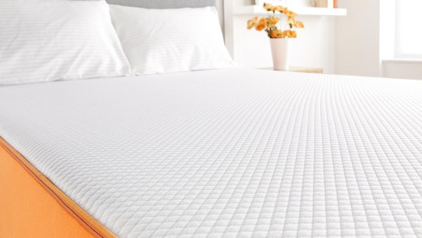 TheErgonomic Plus mattress combines layers of memory and support foam, creating a mattress that provides great comfort and support. Easily delivered to your doorsteps as a mattress in a box, theErgonomic Plus will provide you with cloud-like comfort to your whole body.